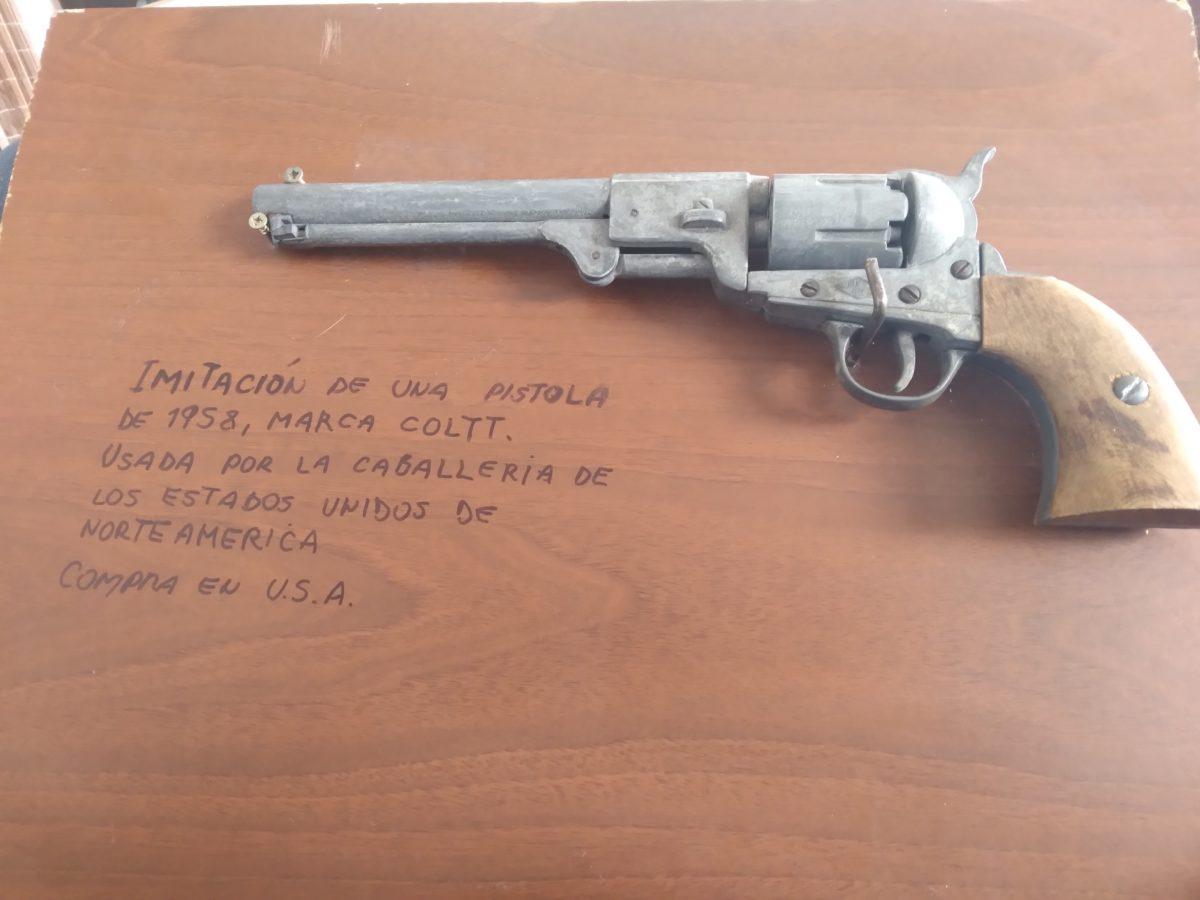 pistola coltt1